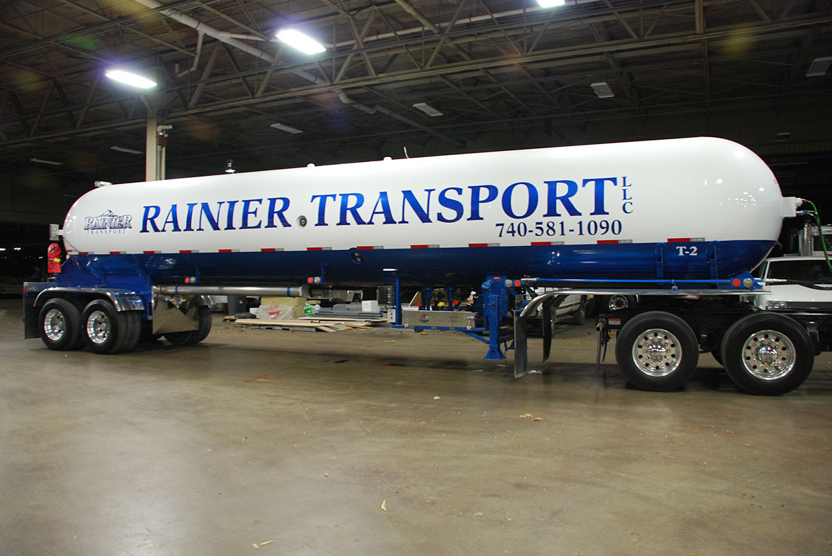 Fleet lettering for tractor trailer